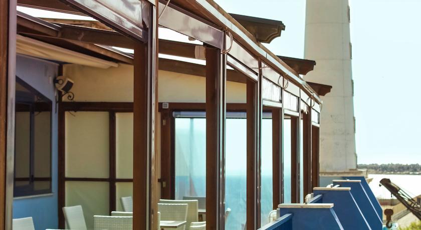 hotel-licata-al-faro-terrazza (1)