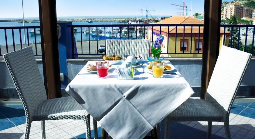 hotel-licata-al-faro-terrazza (5)
